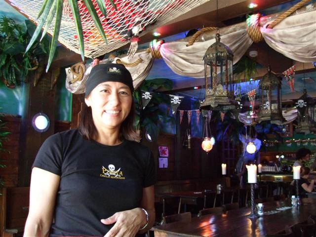Pirata Owner and restaurant (photo © kiwidutch)