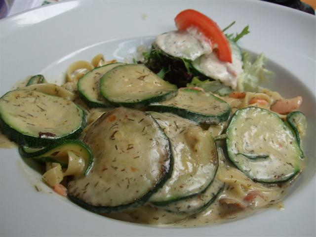 Salmon Pasta (photo © kiwidutch)