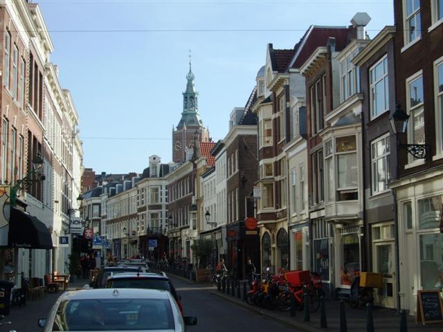 Prinsestraat towards centre and Kerkplein