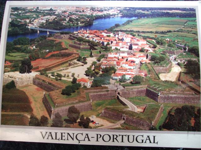 Valen a beauty big gal style local heart global soul for Muebles portugal valenca
