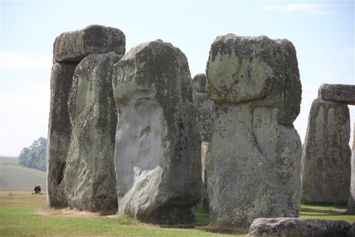 stonehenge 2m (Small)