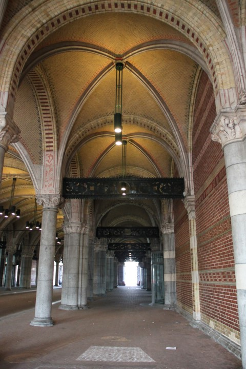 Rijksmuseum portiek 1 (Small)