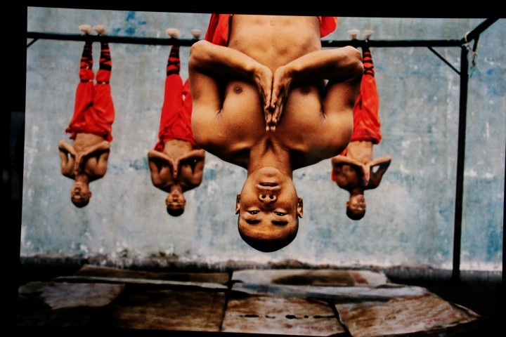 (photograph © Steve McCurry)